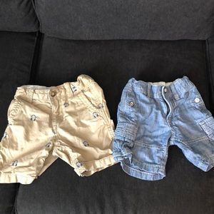 Lot 2 Baby Gap shorts 2T